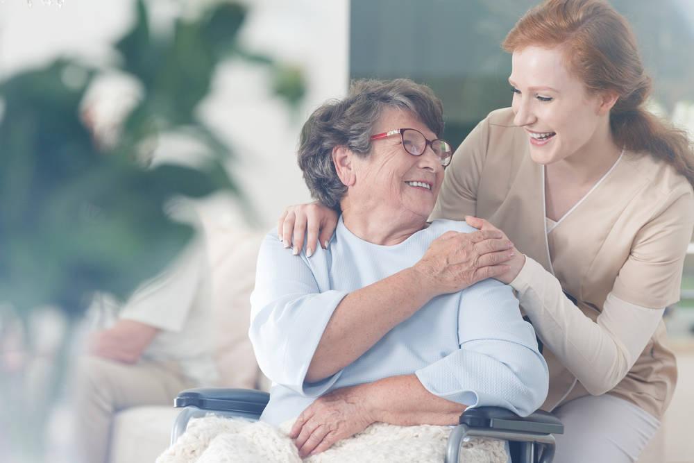 El sector poblacional mayor de 65 años necesita mayor atención