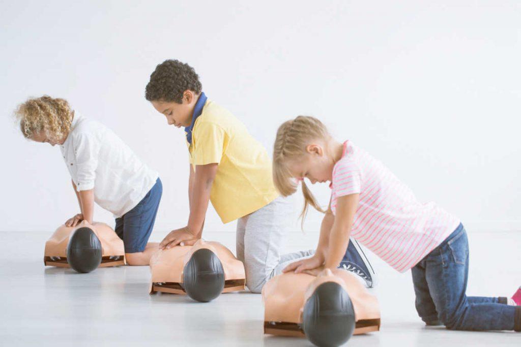 La importancia de enseñar a los niños primeros auxilios